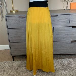 Zara gold maxi skirt small